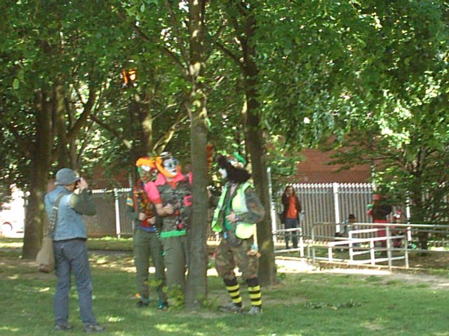 clowns in park